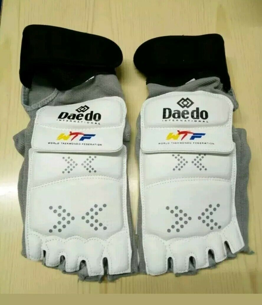 Taekwondo daedo electronic E foot guard predetctor size medium EPRO 29035