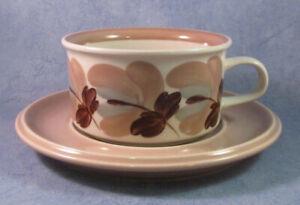 ARABIA-OF-FINLAND-Ulla-Procope-Vintage-Koralli-Tea-Cup-amp-Saucer-Excellent