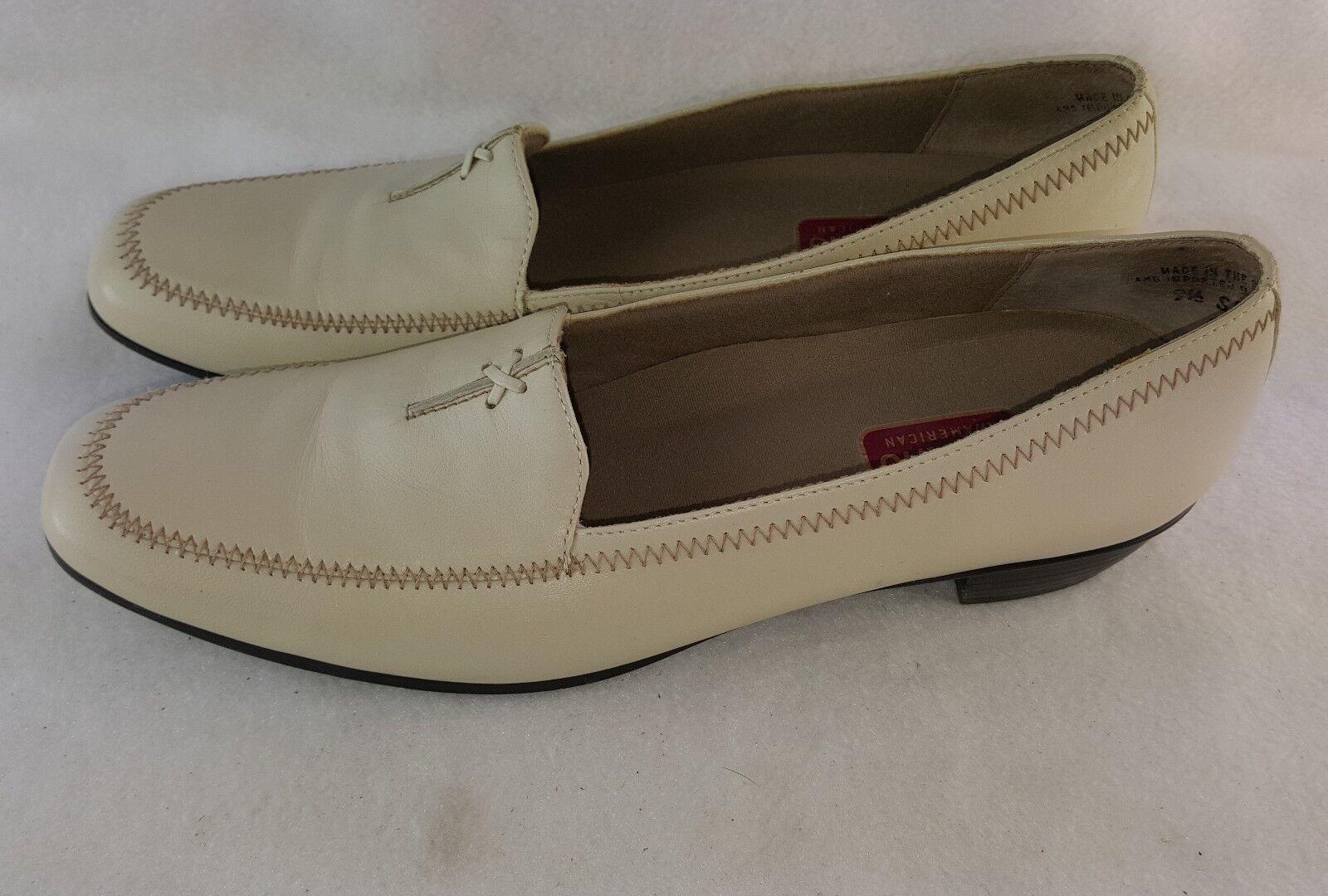 Munro American 'Lauren' Slip On Loafers Beige Leather Women's Size 9.5