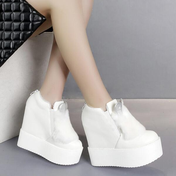 Boots low wedge 13 cm white hair elegant like leather 8799