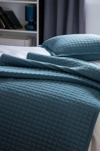 Belledorm Crompton Runner Throw Blau Quilted Cotton Rich Bedspread