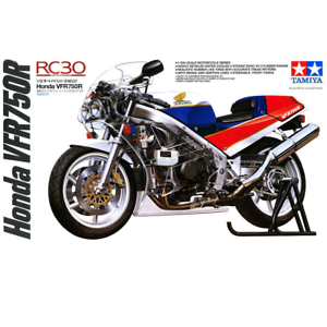 Tamiya-14057-Honda-VFR750R-1-12