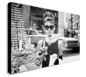 fedf6a295ca22 Audrey Hepburn - Breakfast at Tiffany s - Canvas Wall Art Print ...
