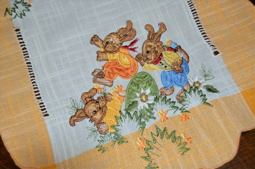 EASTER BUNNY BOY GIRL TEAM UP 2 PAINT  VTG GERMAN COUNTRY TABLECLOTH + 2 RUNNER
