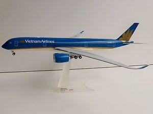 Vietnam-airlines-airbus-a350-xwb-1-200-Herpa-557498-a-350-a350-900-vn-a886