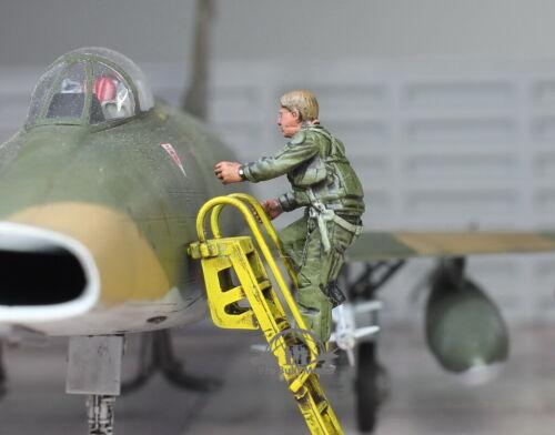 USAF Fighter Jet Pilot climbing on the ladder 1:48 Pro Built ModeL