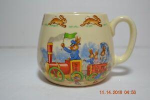 Royal-Doulton-England-Barbara-Vernon-Bunnykins-Bunnytown-to-the-Station-Cup-Mug