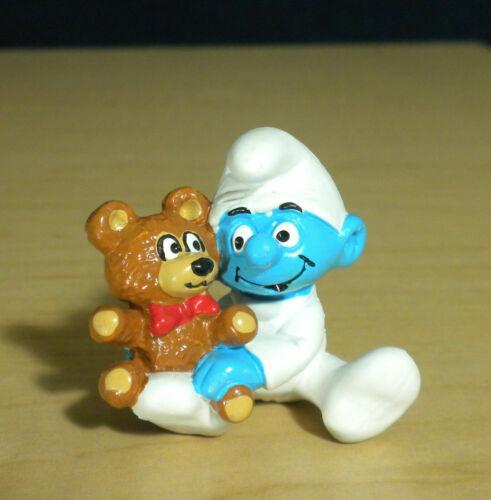 Smurfs 20205 Baby Smurf Teddy Bear Vintage Figure PVC Toy Figurine Rare MACAU