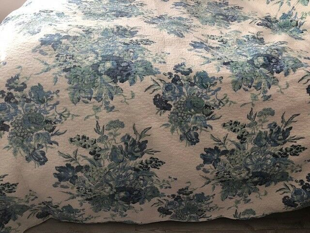 Reversible Shabby  bluee Floral 3 pcs King Queen Quilt