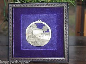 Metal-Art-Relief-Covered-Bridge-Beaver-Medallion-Plaque-Framed-Cobalt-Velvet-7-034