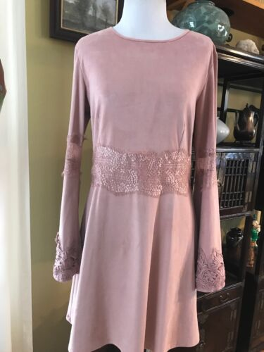 Romeo Juliet Couture Pink Bell Sleeves Lace Vegan