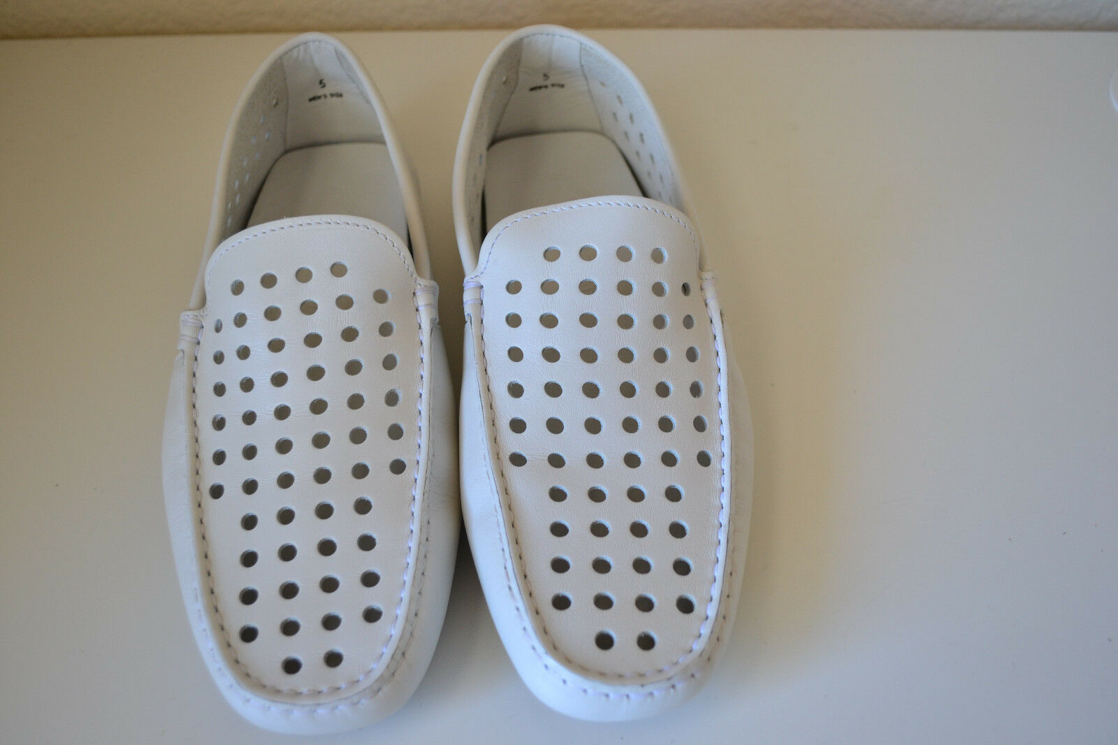 Scarpe casual da uomo  TOD'S Perforated Leather Driving shoes White Size 6(US) Brand new