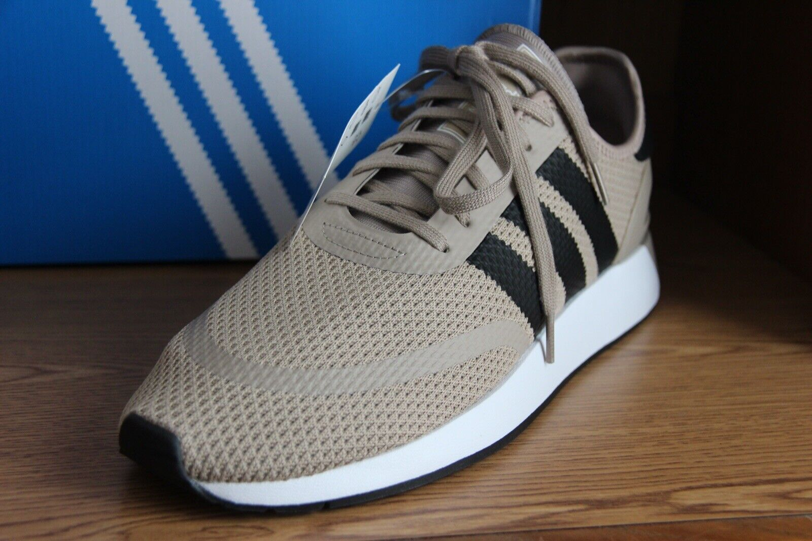 Adidas Orginals Athletic Sneakers Tan Men Size 12  B37955
