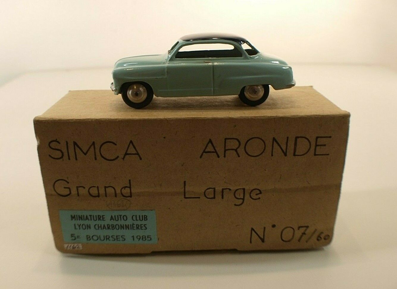 Miniature auto club coal dove simca grand large resin kit fitted 1 43