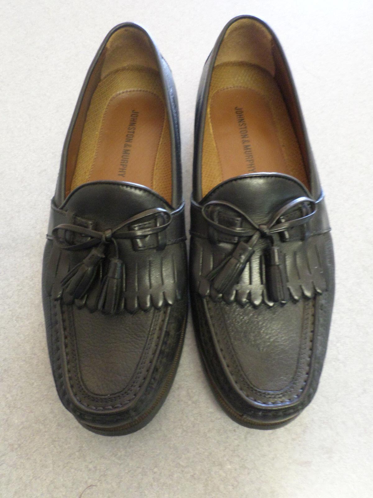 Johnston & Murphy black leather kiltie tassel loafers. Men's 8.5 Wide