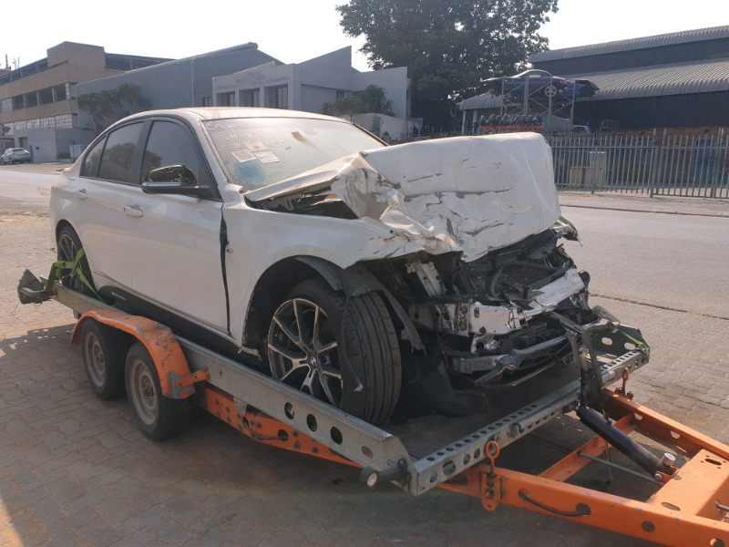 BMW F30 320I N20 STRIPPING BREAKING FOR SPARES