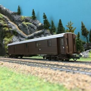 Waggon Gedeckter Dr EP III Ho 1//87-REE WB528