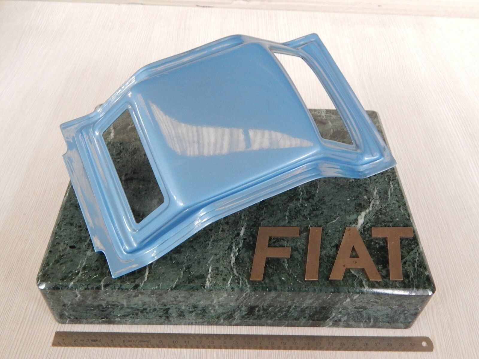 Raro  promozionale stampaggio Fiat anni '70 base in marmo epoca 124 abarth etc