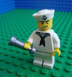 Lego-Navy-Sailor-minifig-Town-City-Mariner-8804-HTF-Minifigures-Series-4