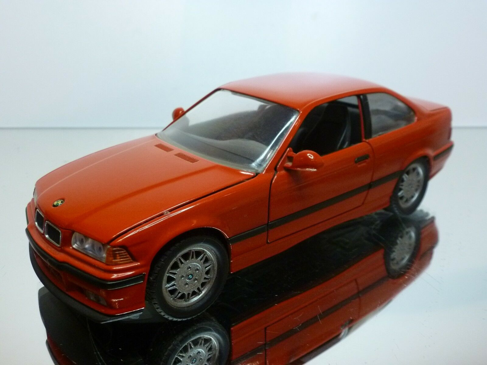 GAMA 2105 BMW M3 E36 - rojo 1 24 - VERY GOOD CONDITION