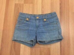 LOLLIPOP-Cute-Women-039-s-Denim-Short-Shorts-Size-6-Pockets-Wooden-Buttons