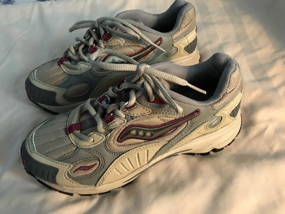 Saucony Womens Grey shoes Size 7 SC8
