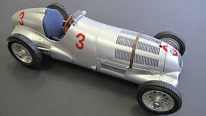Mercedes-Benz-W125-1937-GP-Donington-3-Ltd-Ed-of-1000-by-CMC-CMC115