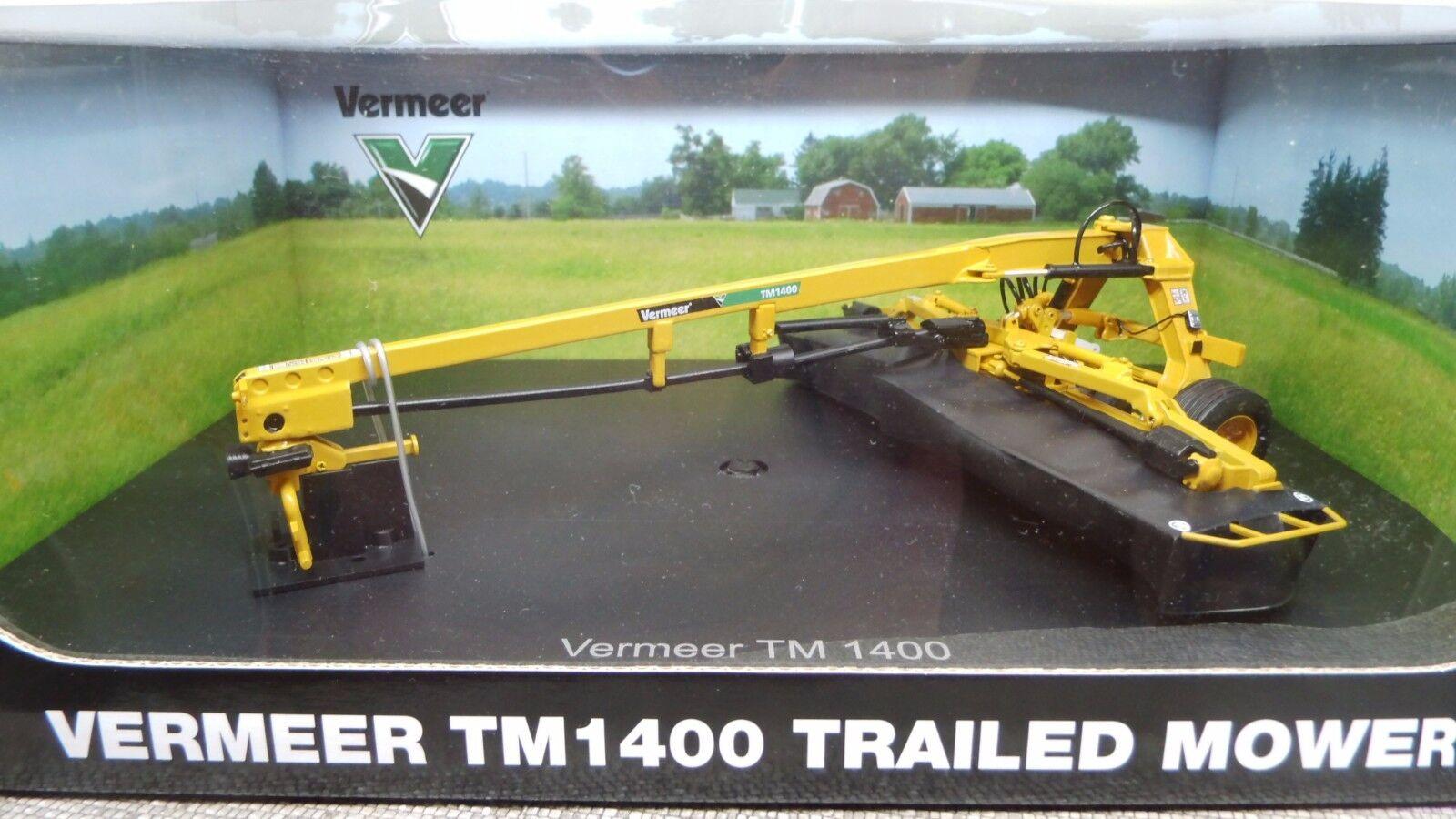 Universal Hobbies 1 32 UH 4181 Vermeer TM 1400 Trailed Mower Tondeuse Nouveau neuf dans sa boîte