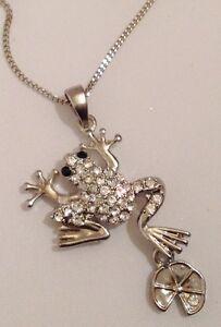 collier-pendentif-retro-grenouille-nenuphar-cristaux-diamant-couleur-argent-380