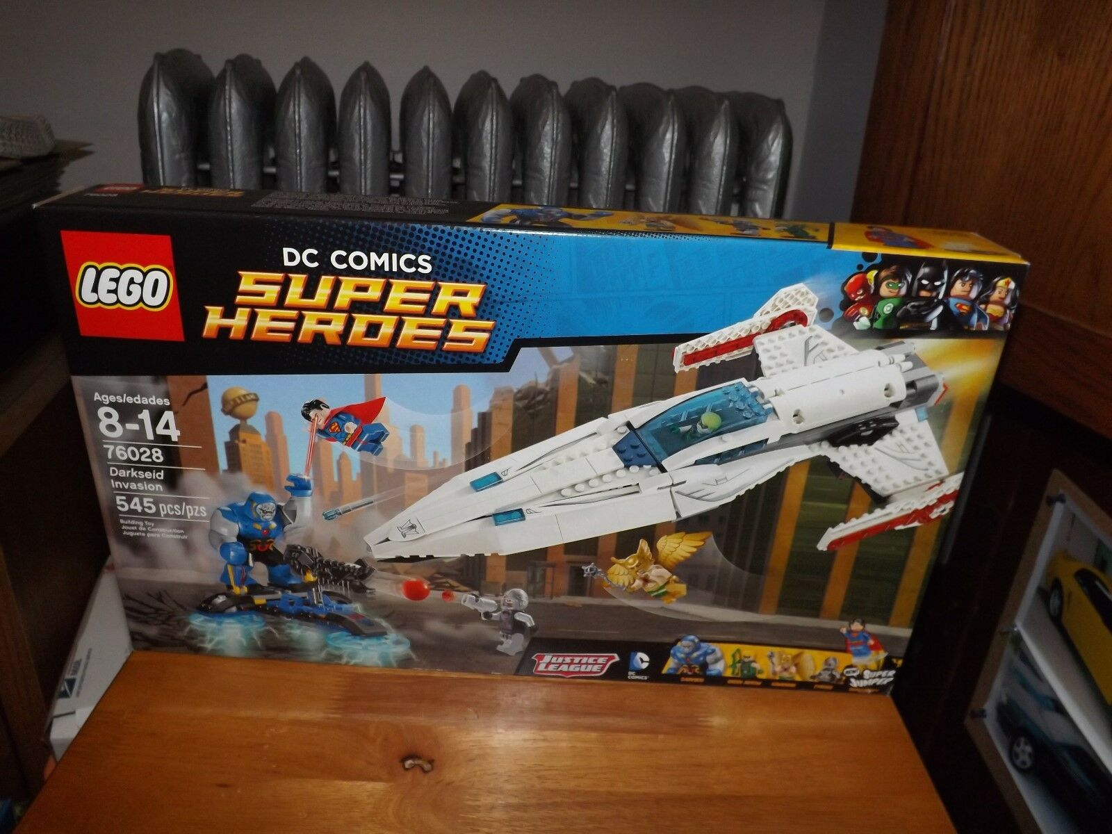 LEGO, DC COMICS SUPER HEROES, DARKSEID INVASION, KIT  76028, NIB 2015