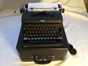 Vintage 1940/41 Royal-Model O Portable Typewriter & Case Excellent Condition