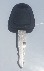 2-Doosan-D100-Keys-for-Excavator-Heavy-Equipment-with-LOGO-Fast-Free-Shipping