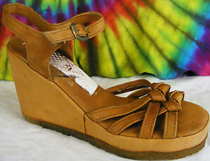 5f8f34b6f7458 6.5 B vintage 70's brown leather QUALI-CRAFT platform wedge sandals ...
