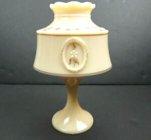 Westmoreland-B-Parry-1979-Signed-Almond-Bouquet-Custard-Glass-Fairy-Lamp