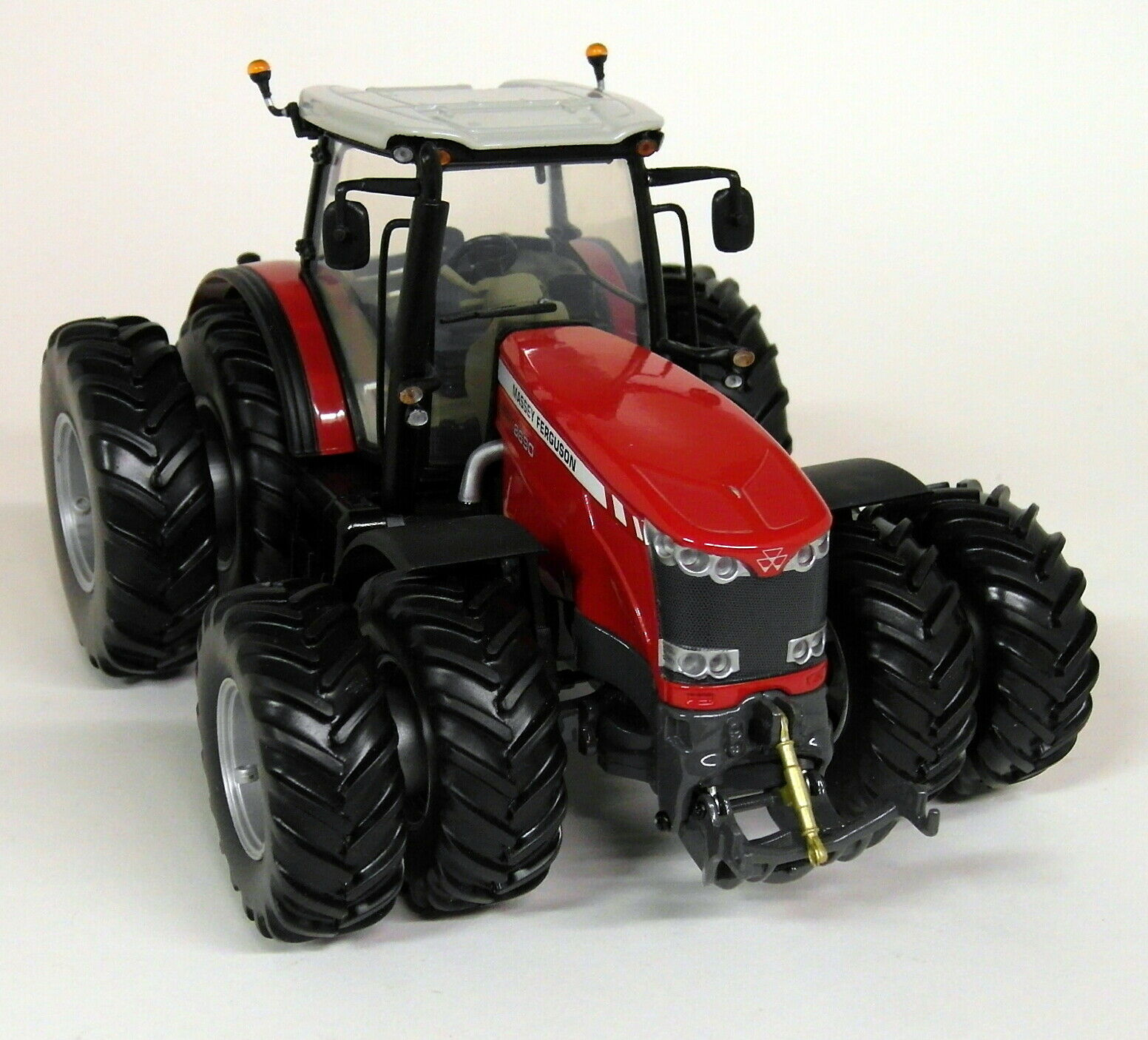 UH 1 32 échelle MASSEY FERGUSON MF8690 Dual Wheels rouge Diecast Model Farm tracteur