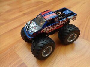 HOT-WHEELS-MONSTER-JAM-1-64-Thrasher-Monster-Truck-Toy