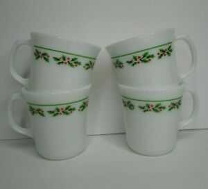 Corelle Corning Ware Set of 4 Holly Days Vintage Christmas Coffee Mug Tea Cup