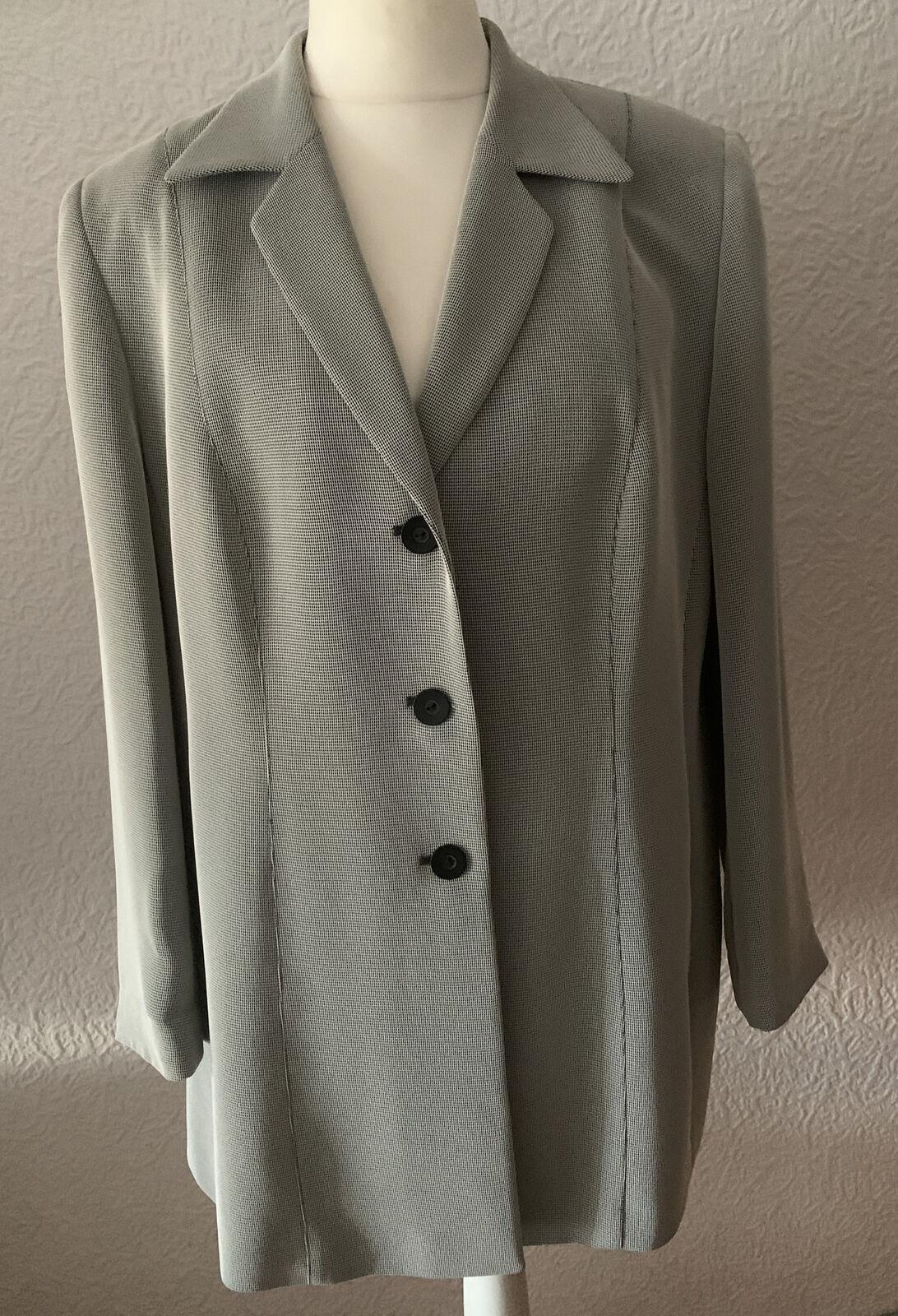 Gerry Weber 3-pieces Suit, Womens Size 46,44,42 MINT CONDITION