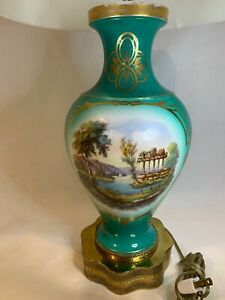 Hand-Painted-Porcelain-Ceramic-Green-Gold-Table-Lamp-Rare-Vintage-A693