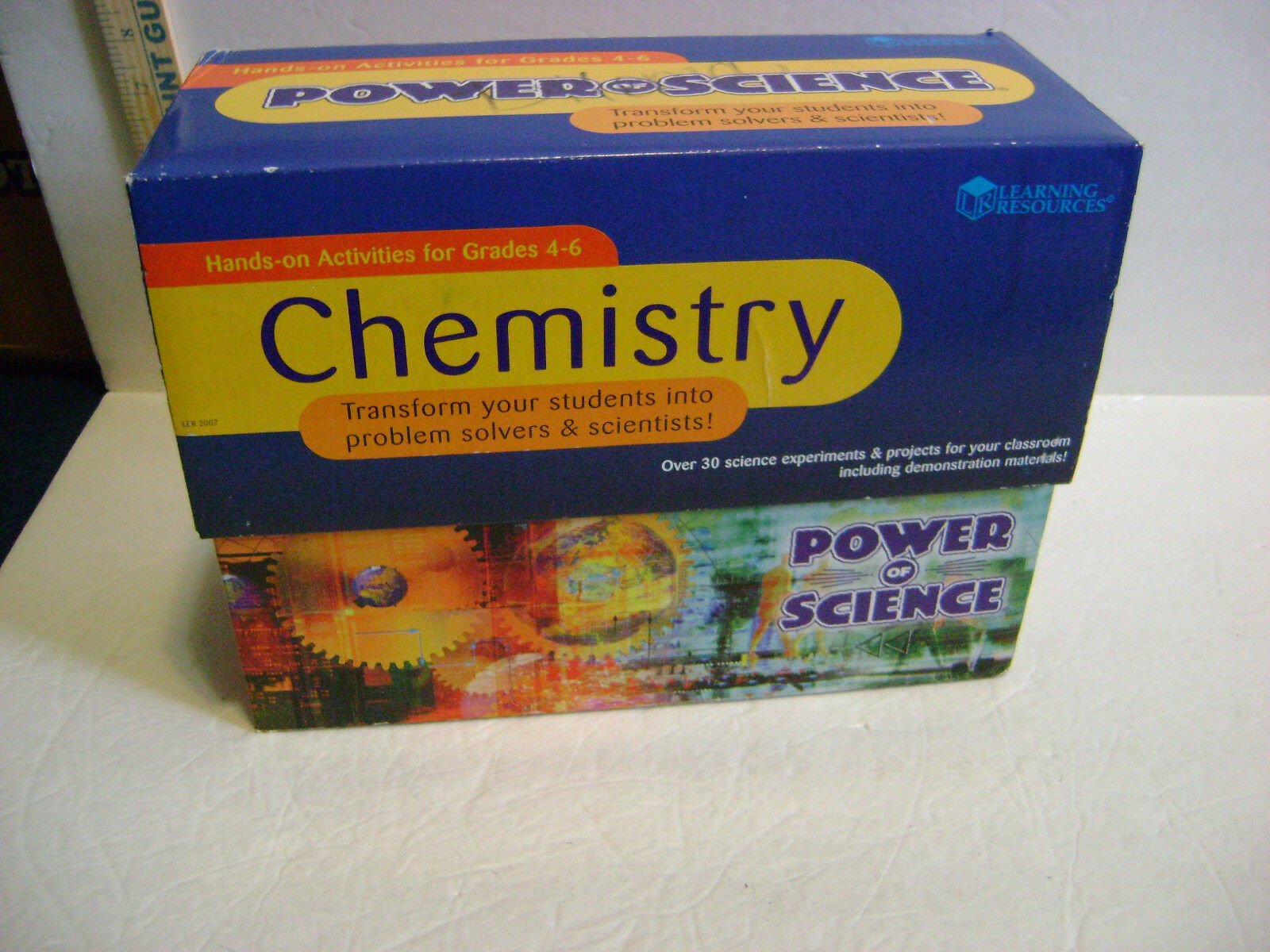 LEARNING RESOURCES CHEMISTRY SET FOR GRADES 4-6 - COMPLETE