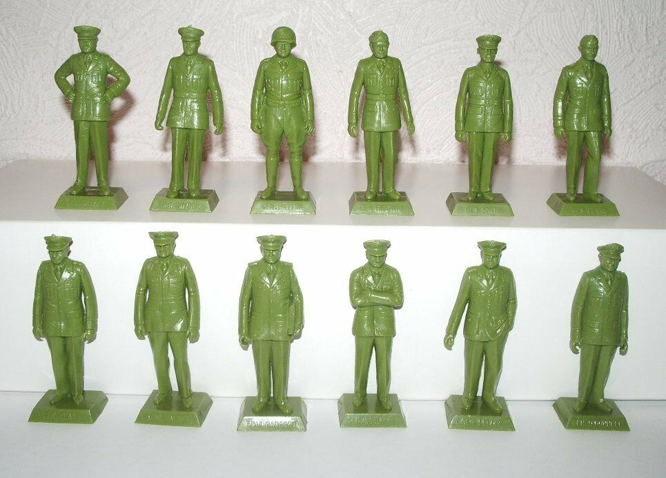 Marx. Famous american Generals and Admirals of of WWII. Square bases. Khaki plastic