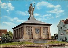 BG4991 st idesbald monument st idesoaldus van der gracht   belgium