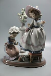 LLADRO-A-STITCH-IN-TIME-RARE-5344-Retired