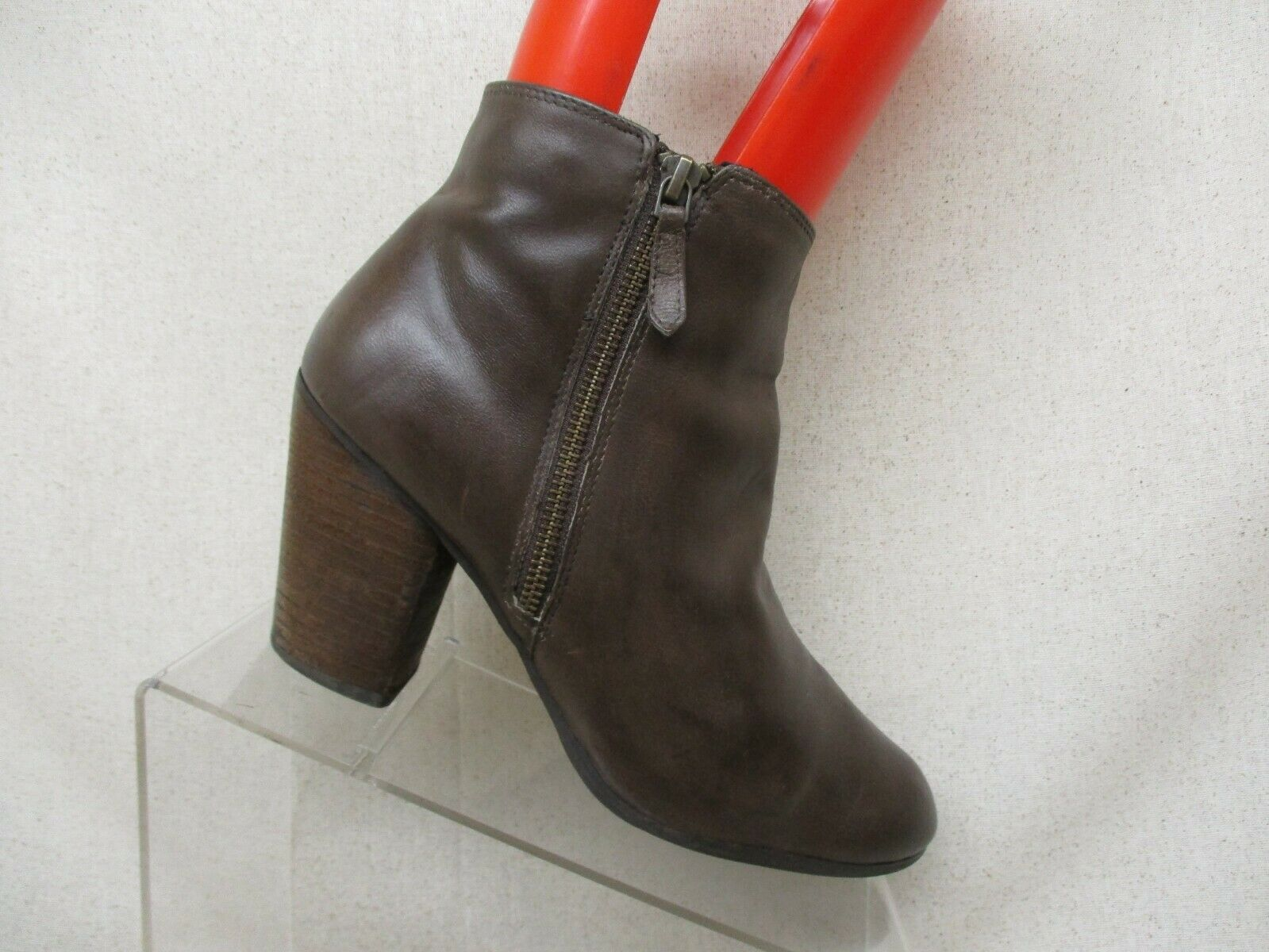 BP Brown Leather Side Zip Ankle Fashion Boots Bootie Size 9.5 M Style 58665