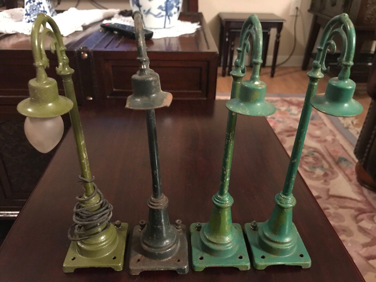 Set of 4 Jahr Lionel No. 59 Grün Lamp Posts