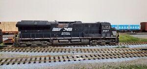 Scaletrains-Rivet-Counter-HO-Scale-ET44AC-Norfolk-Southern-3607-DCC-Lok-Pilot