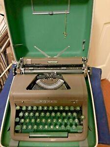 Vintage 1953 Royal Quiet De Luxe Portable Typewriter, Case, Key & Manual~Working