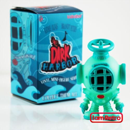 Lourd de bas de page Sombre Harbor Mini Série Kidrobot X Kathie Olivas BRANDT Peters