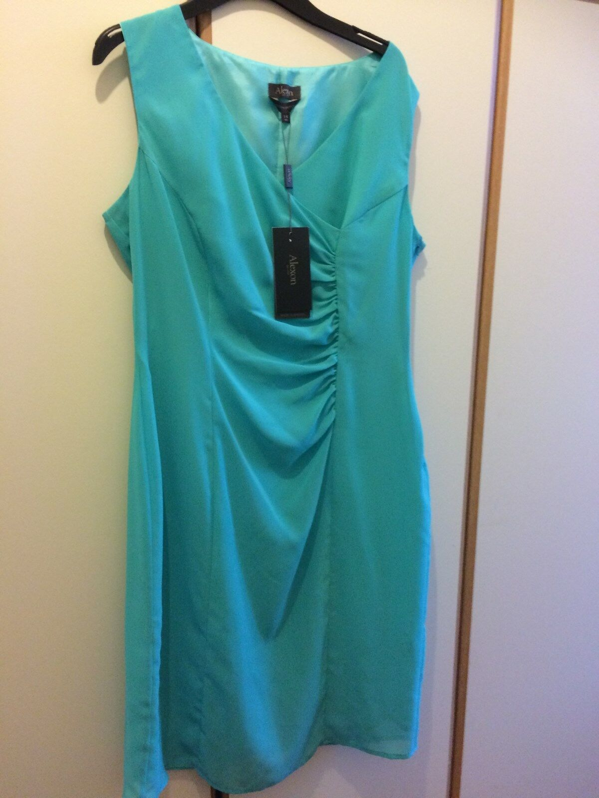 BNWT ALEXON AQUA  classic  FITTED DRESS, SIZE 14 perfect for Special Occasions.