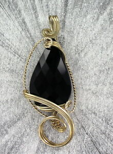 Black-Onyx-Gemstone-Pendant-Necklace-in-Sterling-Silver-Wire-Wrapped